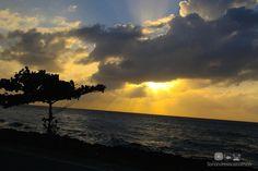 Bahía El Cove - San Andrés Islas, Colombia  El Cove es una hermosa y tranquila bahía ubicada en el suroeste de la isla, es la zona en donde desembarcan los cruceros. Recomendamos visitarla en la tarde para disfrutar los mágicos atardeceres de la isla.   http://www.sanandresislas.com.co/bahia-del-cove-san-andres