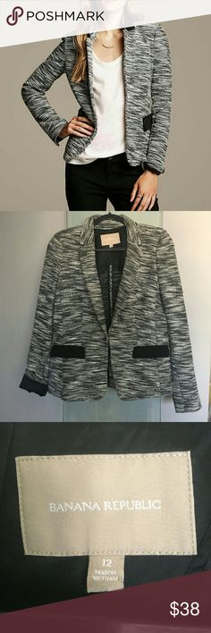 BANANA REPUBLIC - Soft Colorblock Blazer Gorgeous soft color block blazer jacket by Banana Republic!  Excellent condition and PERFECT for fall! This spices up any ensemble!  Pair with leather pants for a look to kill or pair with basic dark denim for a subdued, elegant go-to look! Size 12. Banana Republic Jackets & Coats Blazers