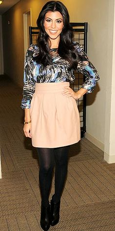 The blouse and the skirt, perfect combo! Could totally rock this with a pair of leggings(or not) with flats or sandals