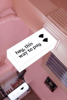 Heyday – Plats! Cafe Shop Design, Kiosk Design, Retail Design, Store Design, Boutique Decor, Boutique Interior, Diy Hanging Shelves, Salon Interior Design, Restaurant Design