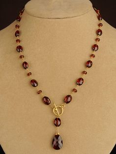 Garnet Toggle Necklace: simple way to showcase some lovely gemstones.