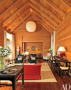 """Morgan also designed the interiors, which are paneled in Douglas fir. """"The grain of the wood forms a subtle pattern,"""" he notes 