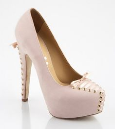 Issimo Shoes - Powder Laced High Heels