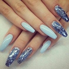 Uploaded by tamara. Find images and videos about blue, nails and nail art on We Heart It - the app to get lost in what you love. Cute Gel Nails, Cute Acrylic Nails, My Nails, Blue Nails, White Nails, Gel Nail Art Designs, Nail Patterns, Gorgeous Nails, Swag Nails