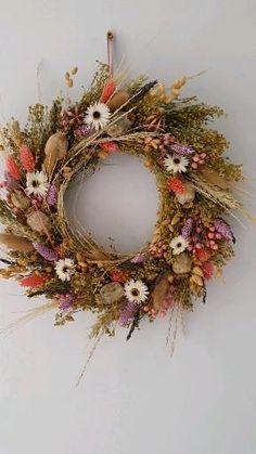 Diy Fall Wreath, Fall Wreaths, Easter Wreaths, Summer Wreath, Christmas Wreaths, Autumn Wreaths For Front Door, Dried Flower Wreaths, Wreaths And Garlands, Floral Wreaths