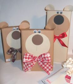 Gift Wrapping Ideas-Vi ho già mostrato qualcosa nel precedente post, con i pacchi regalo per il com… Gift Wrapping Ideas – I already showed you something in the previous post, with gift packages for the … # gift Creative Gift Wrapping, Creative Gifts, Gift Wrapping Ideas For Birthdays, Craft Gifts, Diy Gifts, Handmade Gifts, Christmas Gift Wrapping, Christmas Crafts, Gift Wraping