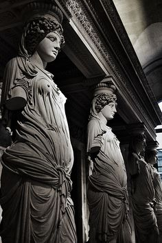 """Les Caryatides"" 1550, Jean Goujon. Pyramids Egypt, Art Sculpture, Greek Art, Black N White Images, Historical Architecture, Old Art, Aesthetic Photo, Ancient Greece, Ancient Art"