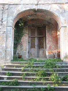 Portaria, Pelio mountain, Greece / by Daphne Papadopoulou Old Buildings, Abandoned Buildings, Abandoned Places, Beautiful Ruins, Beautiful Places, Greece Country, Door Steps, Portal, Thessaloniki
