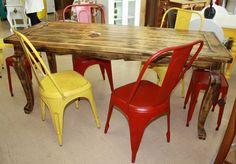 Mesa Luix XV  e cadeiras Tolix - Compre em www.ocasaraomoveis.com.br