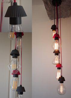 Réalisée avec des petits moules en silicone de couleurs détournés de leur usage en cuisine pour se transformer en cache douille. Une idée sympa, facile à faire et composable à souhait ! Inspirez-vous !!!