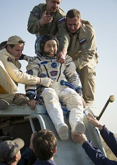 Expedition 39 Soyuz TMA-11M Landing (201405140003HQ) by NASA HQ PHOTO, via Flickr