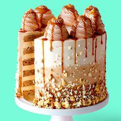 Learn to make this Caramel Popcorn Cake! So crunchy and gooey! # Learn to make this Caramel Popcorn Cake! So crunchy and gooey! Food Cakes, Cupcake Cakes, Cupcakes, Salted Caramel Cake, Caramel Drip Cake, Baking Recipes For Kids, Baking Hacks, Popcorn Cake, Crazy Cakes