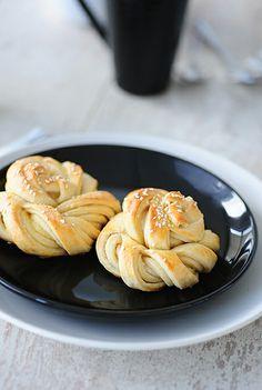 Tortelina: Uvrnuta peciva