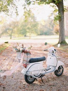 Vespa Wedding, Motorcycle Wedding, Girl Motorcycle, Motorcycle Quotes, Wedding Car, Dream Wedding, Summer Wedding Destinations, Destination Weddings, Floral Wedding