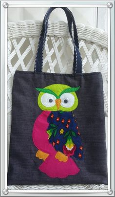 Owl Sewing, Owl Applique, Owl Bags, Painted Bags, Diy Bags Purses, Denim Tote Bags, Owl Crafts, Fabric Bags, Handmade Design