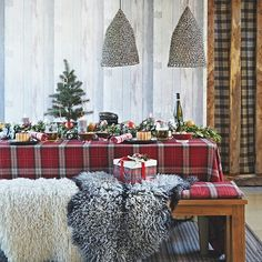 Highland Christmas table with tartan tablecloth | Country Christmas table ideas | Dining room | PHOTO GALLERY | Country Homes and Interiors | Housetohome.co.uk