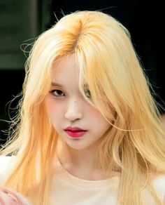 Myoui Mina, Famous Girls, Cute Icons, One In A Million, Ulzzang Girl, Aesthetic Girl, Nayeon, Music Artists, Kpop Girls
