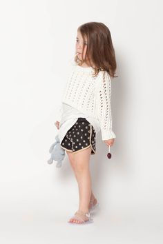great short & cropped sweater...