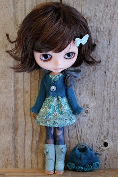 Love her little blue outfit.   by TaylorCouture  #blythe