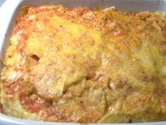 You know in the whole world they think mexicans just eat tacos, and that isn´t true, we´ve got a very extensive kind of recipes here´s one: Pastel Azteca (Aztec´s cake) it is tortilla, with chicken, cream and corn, and it´s delicious...this is not the original recipe but here it is