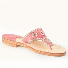 Palm Beach Classic in Melon / Pale Gold Gold Sandals, Palm Beach Sandals, Burlap Monogram, Spanish Espadrilles, Suede Shoes, Girls Shopping, Natural Leather, How To Look Pretty, Boat Shoes