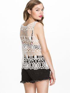 """Кружевной топ """"Клеопатра"""". Имитация вязания крючком. Идея для вязания.       ONLY  Cleopatra Short Crochet #Machine_made_crochet #lace_top #ideas_for_crochet"""