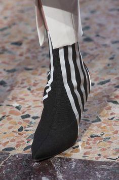 Genny at Milan Fashion Week | Autumn 2018 | Photo: Livingly.com