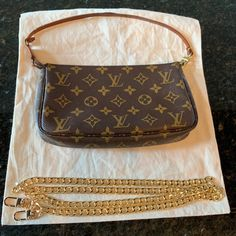 Louis Vuitton Shoulder Bag, Authentic Louis Vuitton, Louis Vuitton Monogram, Night Out, Looks Great, Shoulder Bags, Crossbody Bag, Hardware, Exterior