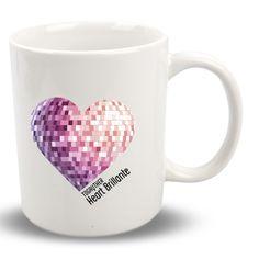 """#Taza #Gay """"Heart Brillante"""". Taza blanca con diseño exclusivo """"Heart Brillante"""" de la Colección """"Corazones y plumas"""" ¿Y tú? ¿De qué tienes relleno el corazón? + info en http://www.togayther.es/producto/taza-gay-heart-brillante/"""