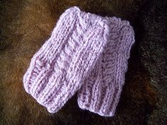 Ravelry: Barley Twist Hat and Mitts pattern by Kelly Jo Sweeney