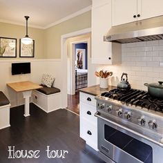 Loving this week's Organized Bungalow House Tour!!! Check it out --