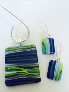 Handmade, fused glass jewelry by Miss Olivia's Line. - Hobbies paining body for kids and adult Dichroic Glass Jewelry, Ceramic Jewelry, Glass Earrings, Resin Jewelry, Glass Pendants, Jewelry Art, Fused Glass Ornaments, Fused Glass Art, Glass Fusion Ideas