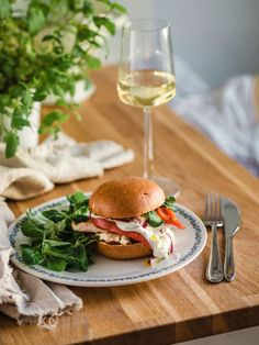 Savory Pastry, Savoury Baking, Most Delicious Recipe, Always Hungry, Salmon Burgers, Food Inspiration, Feta, Hamburger, Food And Drink