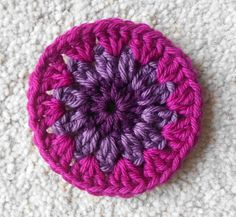 Pattern and tutorial for crochet hexagon shapes