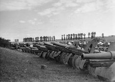 Operation Barbarossa: Russian equipment that fell into German hands in early days of the war. Comment : These appear to be Canon de 155 C modèle 1917 Schneider. Possibly Polish guns.