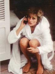 Princess Diana in a rare moment Princess Diana Pictures, Princess Diana Family, Royal Princess, Princess Of Wales, Princesa Diana, Prince Harry, Diana Williams, Prinz William, Diana Fashion