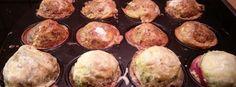 Meldung aus der Kombüse Nr. 9 - Möchtegern Leberkäse in Hackbratentarnung  Zutaten:  500g Schweinebauch ohne Knochen 500g Schweinenacken oder Schulter 300g Eis (fein zerstoßen) 25g Pökelsalz (normales geht auch) 1 große Zwiebel (gewolft) 1 TL Muskat 1 TL Thymian 1 TL Majoran 15 TL schwarzer Pfeffer etwas Zitronensaft Einlage nach Wahl: Mais Paprika Bacon Bohnen etc. Also alles auf was ihr Lust habt! Kann man natürlich wie ich weglassen.  Zubereitung:  Das Fleisch und die Zwiebel wolfen die…