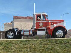 Looks just like my Uncle Paul Vaz's first truck in Lodi, Ca. Big Rig Trucks, Dump Trucks, Mini Trucks, Tow Truck, Cool Trucks, Diesel Pickup Trucks, Model Truck Kits, Truck Transport, Audi 100