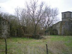 Hérisson, ancien prieuré et les ruines de son église
