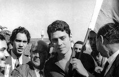 © Acervo do Estadão. O retorno do exilio de Chico Buarque. Brasil, 1970.
