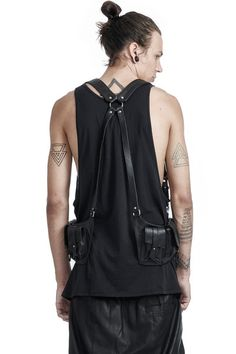 A perennial favorite, SKINGRAFT's Trekker Harness Bags are crafted from rugged cow leather with black nickel hardware and fitted with adjustable shoulder straps for a unisex fit. - Two contour side ba