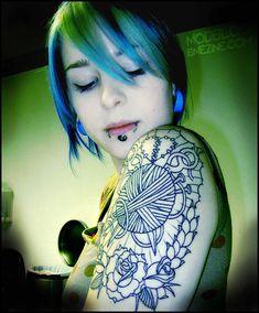 Google Image Result for http://www.tattooedwomen.info/wp-content/uploads/2009/05/jodfnj6u2nxaayuz5u4jxosqo1_500.jpg