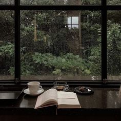 Nature Aesthetic, Book Aesthetic, Aesthetic Pictures, Paz Interior, Rain Photography, Slytherin Aesthetic, Light In The Dark, Beautiful Places, Cottage