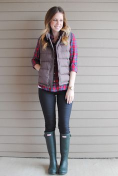 From My Grey Desk Blog: puffer vest to the rescue - adding to my puffer vest obsession.