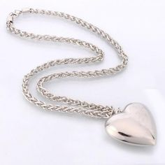 This Silver Elegant Heat Shaped Pendant Sweater Chain made of high quality material, Chain-like shape, bringing you style, elegance.
