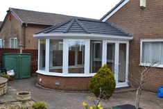 Here you can view a gallery of some of Highseal Manufacturing's products and also there previous jobs.They show some of the doors conservatories roofs. Tiled Conservatory Roof, Small Conservatory, Conservatory Design, Conservatory Extension, House Extension Plans, House Extension Design, House Design, Design Design, Oak Framed Extensions