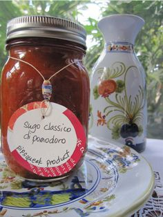 SUGO CLASSICO di POMODORO - The classic Italian red pasta sauce -16 oz. jar Enjoy a healthy plate of pasta with that distinct Italian taste. Sugo Classico di pomodoro means classic tomato sauce. This is a simple yet very tasty sauce made only from fresh tomatoes, olive oil and fresh herbs.