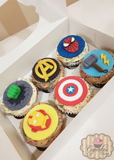 Cupcakes Avengers Marvel Cupcakes, Avenger Cupcakes, Avenger Cake, Avenger Party, Birthday Treats, Boy Birthday Parties, Clint Barton, Fondant Cupcakes, Cupcake Cakes