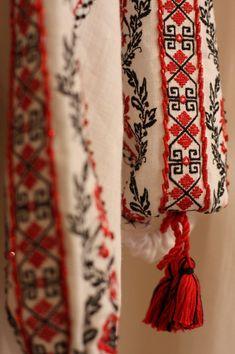 #Ukrainian #embroidery women's #shirt. Украинская народная женская вышиванка…