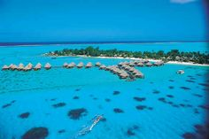 i wanna go! Before I Die, Places Of Interest, Bora Bora, Dream Vacations, Travel Tips, Places To Visit, Bucket, Spaces